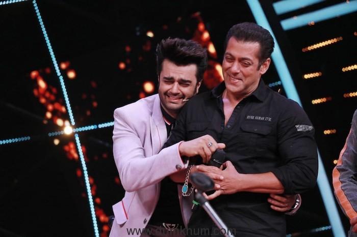 You CANNOT miss on the jugalbandi between Salman Khan and Maniesh Paul