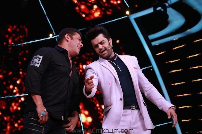 Maniesh Paul & Salman Khan (7)