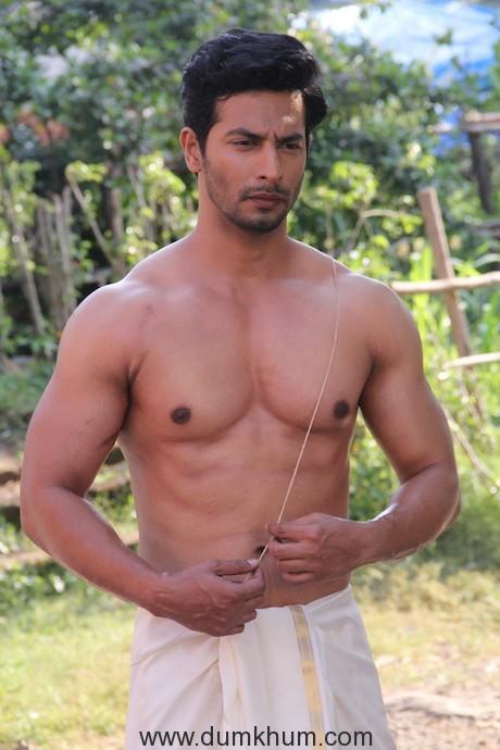 Sehban Azim as Malhar Rane in Zee TV's Tujhse Hai Raabta (1)