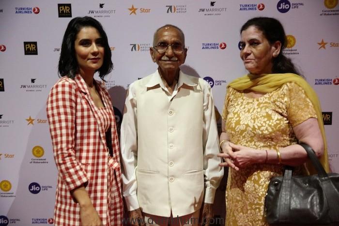 Actress Geetika Vidya Ohlyan with family at Soni red carpet at Jio MAMI 20th Mumbai Film Festival with Star