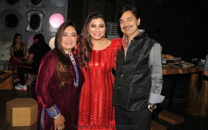5. Gurpreet Kaur Chadha with Jaspinder Narula KML_8487