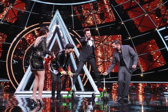 Maniesh Paul's Simmba moment on Indian Idol platform !