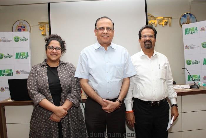 L-R Zulfia Waris, DCI_ Ajoy Mehta, MC_ Vishwanath Mahadeshwar, Mayor of Mumbai at the MCGM Press Conference