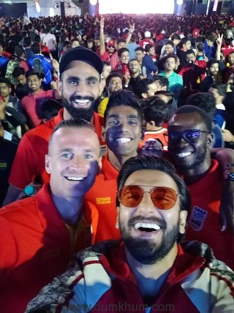 Ranveer Singh surprised football fans at Star Sports Select FC Screening