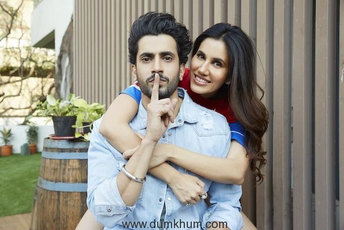 Sunny Singh and Sonnalli Seygall -Jai Mummy Di (1)