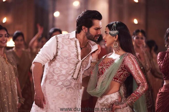 Actor Varun Dhawan praises Kiara Advani who shook a leg with him in Kalank.