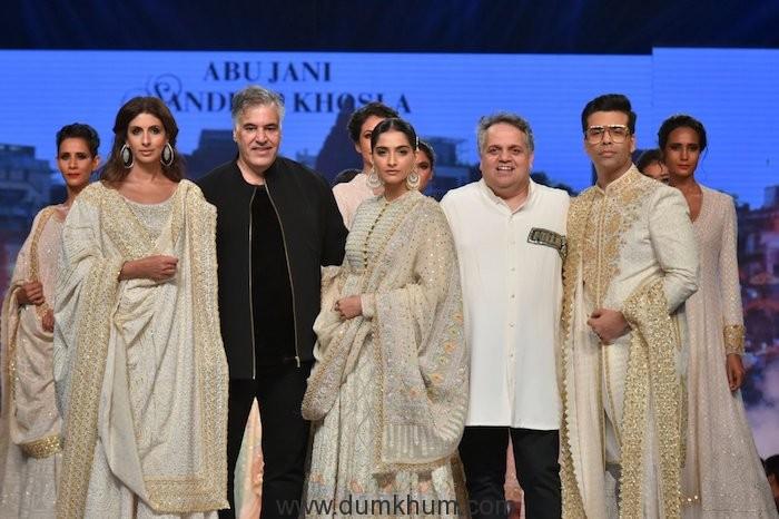 L-R Shweta Bachchan Nanda, Abu jani, Sonam Kapoor Ahuja,Sandeep Khosla, Karan Johar walked the ramp at 14th edition of Fevicol 'Caring with Style'