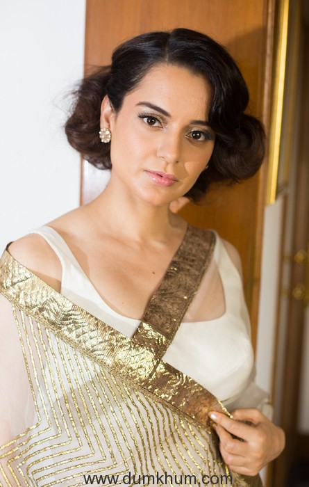 Kangana Ranaut looks like a queen in her saree for Modi Ji's oath-taking ceremony --