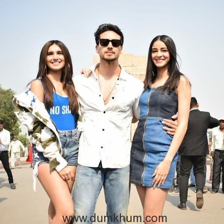 Tiger Shroff, Ananya Panday and Tara Sutaria at India Gate