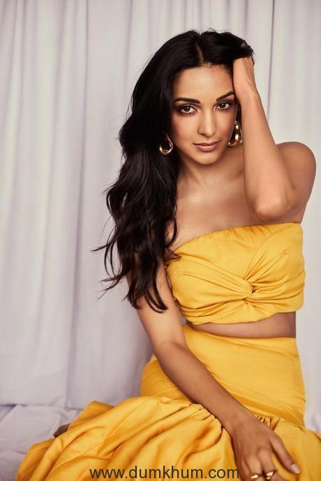 Kiara Advani looks fresh as ever in yellow Outfit