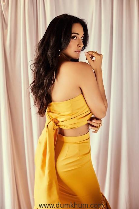 Kiara Advani looks fresh as ever in yellow Outfit -2