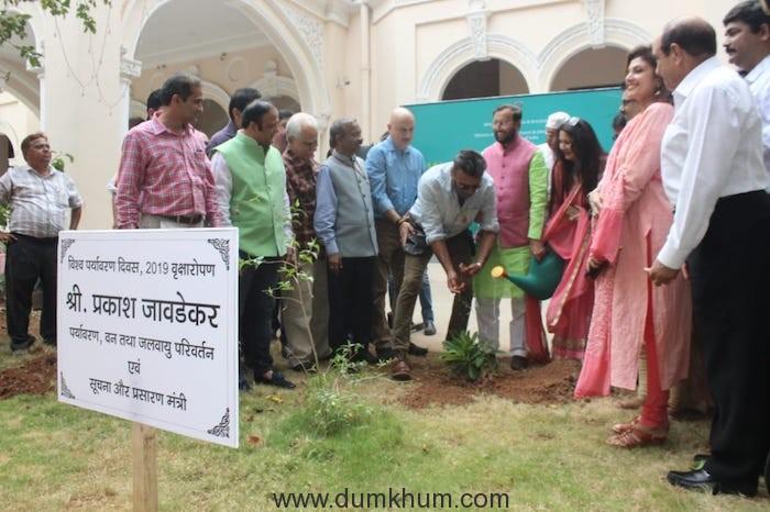 Minister of Information & Broadcasting Shri Prakash Javadekar planting saplings with Film Personalities in FIlms Division Complex Mumbai-4