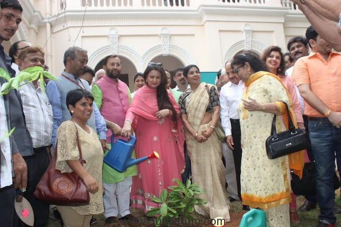 Shri Prakash Javadekar planting saplings with Film Personalities-