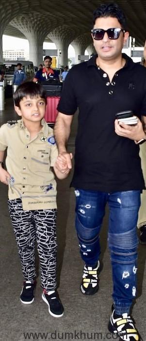 Bhushan Kumar along with wife Divya Khosla Kumar and son spotted at Mumbai airport today !