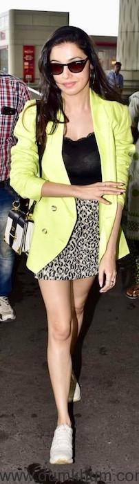 Divya Khosla Kumar spotted at Mumbai airport today !