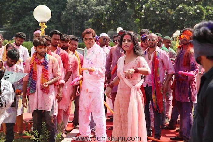 Jimmy Shergill and Mahi Gill in film'Family of Thakurganj'