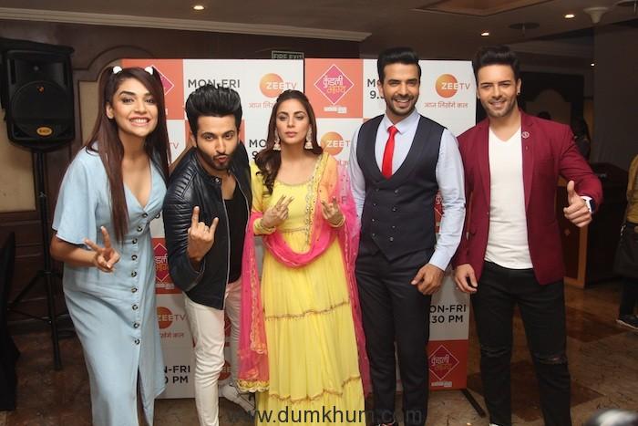 Kundali Bhagya Cast-Anjum Fakih, Dheeraj Dhoopar, Shraddha Arya, Manit Joura and Sanjay Gagnani 2