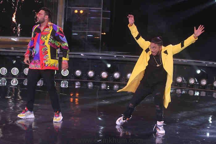 Rapper Badshah along with Judge Raftraar on DID (2)
