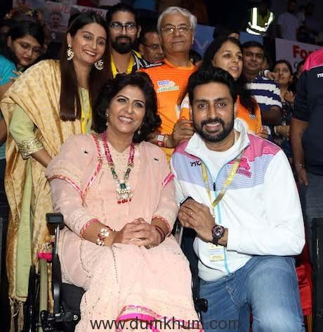 Jaipur Pink Panthers owner Abhishek Bachchan meets Padma Shri Deepa Malik