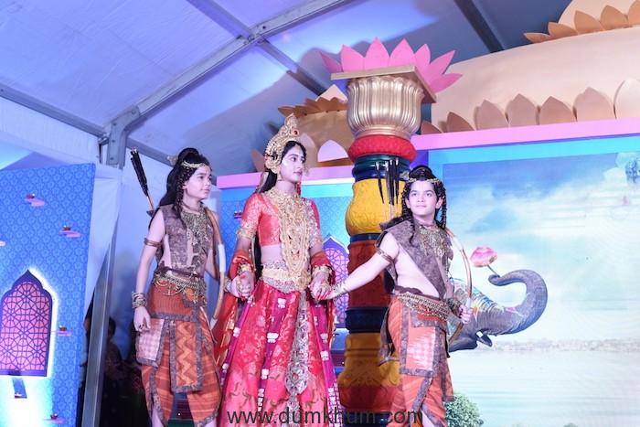 Harshit Kabra as Luv, Shivya Pathania as Sita and Krish Chahuan as Kush