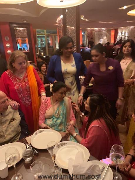Asha Bhosle celebrates her 86th birthday in Dubai with Meera Gandhi