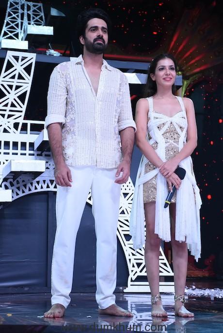 Avinash Sachdev with his girlfriend Palak Puruswani on Nach Baliye 9 (3)