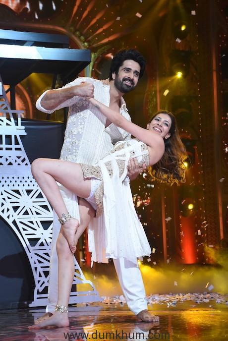 Avinash Sachdev with his girlfriend Palak Puruswani on Nach Baliye 9 (5)