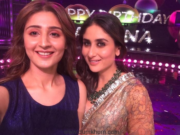 Dhvani Bhanushali with Kareena Kapoor Khan 2 (1)