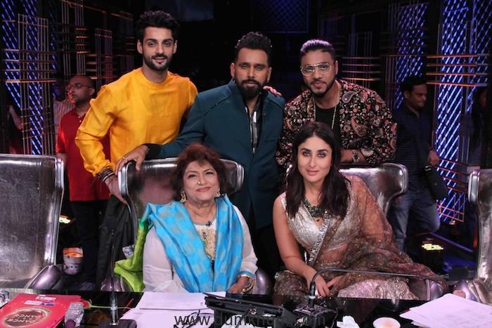 Judges Bosco Martis, Raftaar, Kareena Kapoor Khan and Host Karan Wahi along with guest judge Saroj Khan ji