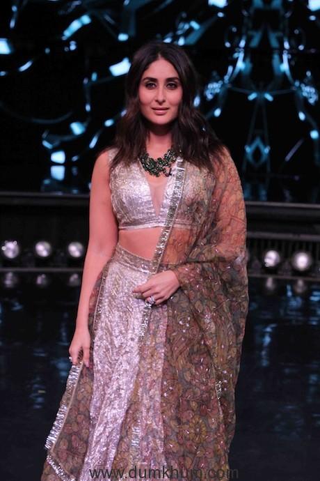Kareena Kapoor Khan on the sets of DID(1)