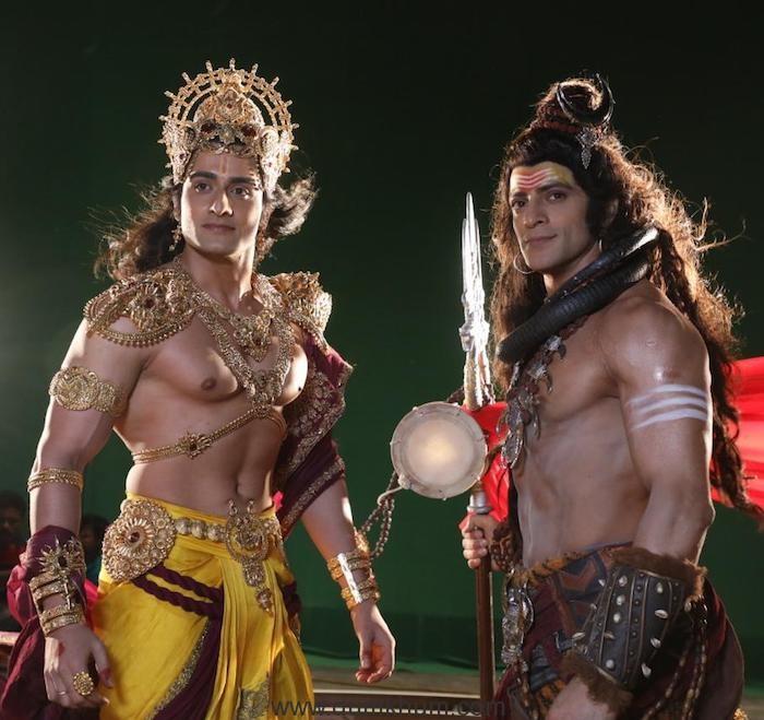 Lord Vishnu and Lord Shiva with Namah.