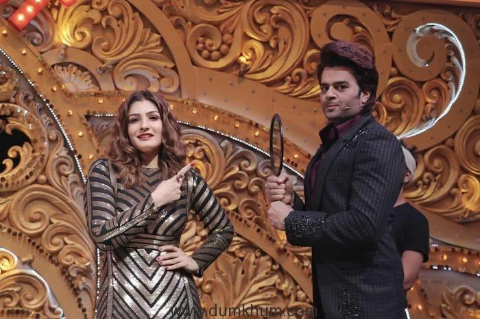 Maniesh Paul turns make-up man for Raveena Tandon-