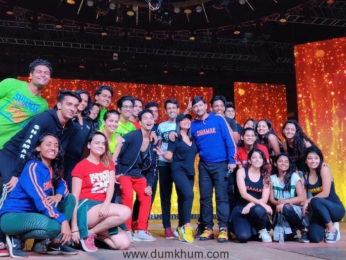 Master Marzi & The ever energetic Shiamak Davar dance team