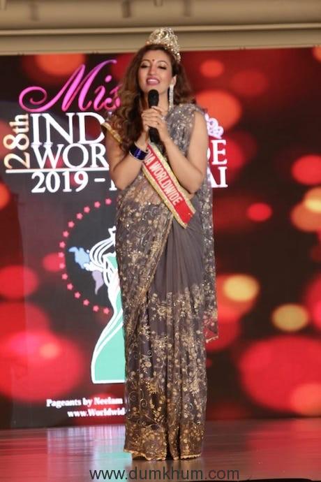Miss India Worldwide Shree Saini crowns Tanishk Sharma as Miss India Worldwide 2019, Yukta Mookhey, Rohit Verma, Shweta Kwatra and others judge the pageant 9
