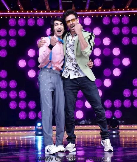 Shantanu's fan moment with Hrithik Roshan on Nach Baliye 9