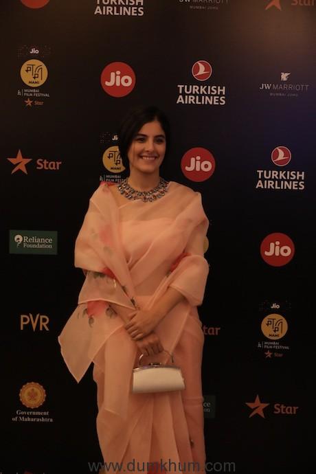 Isha Talwar at Jio MAMI 21st Mumbai Film Festival with Star (2)