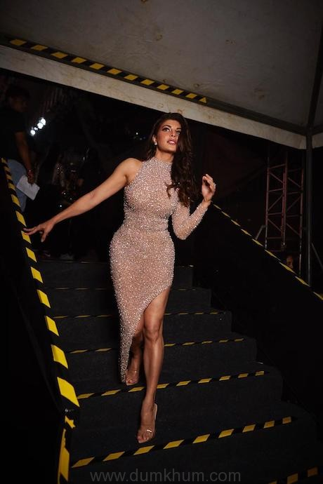 Shimmer and shine! Beauty Jacqueline Fernandez dons a champagne number at an event and we are awe-struck!
