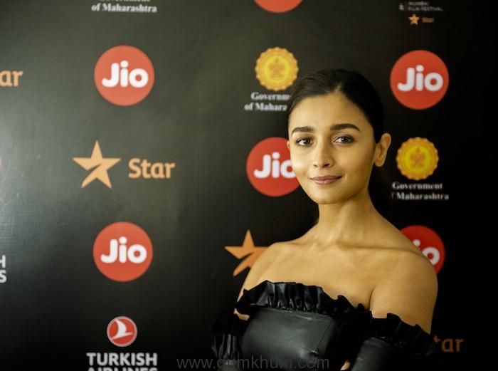 Karan Johar brings back The Big Talk with two powerhouse performers Kareena Kapoor Khan and Alia Bhatt at the Jio MAMI Movie Mela with Star 2019 (3)