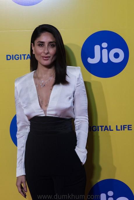 Karan Johar brings back The Big Talk with two powerhouse performers Kareena Kapoor Khan and Alia Bhatt at the Jio MAMI Movie Mela with Star 2019 (8)