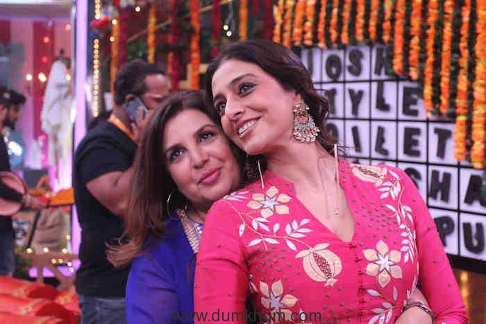 Tabu and Farah on sets of Movie Masti with Maniesh Paul (3)