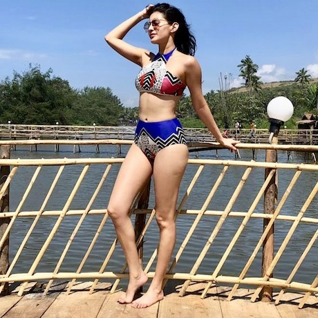 Amyra Dastur's recent vacay pics prove that she is a Beach Bum