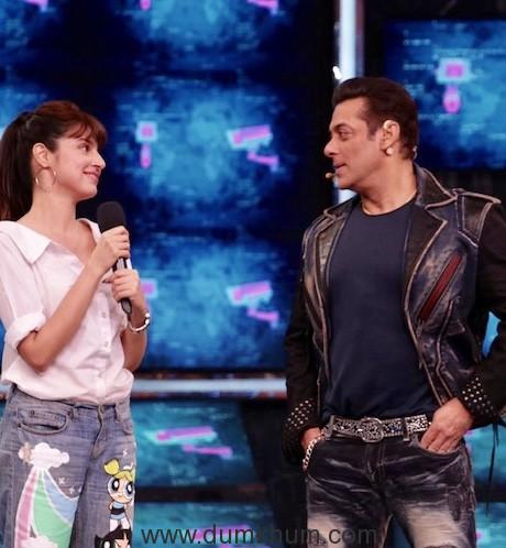 Divya Khosla Kumar met Chulbul Pandey aka Salman Khan on the sets of Bigg Boss 13-