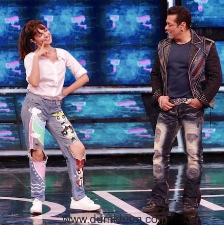 Divya Khosla Kumar met Chulbul Pandey aka Salman Khan on the sets of Bigg Boss 13-1