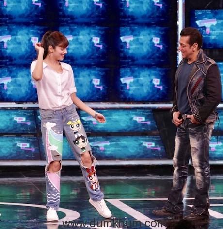 Divya Khosla Kumar met Chulbul Pandey aka Salman Khan on the sets of Bigg Boss 13-7