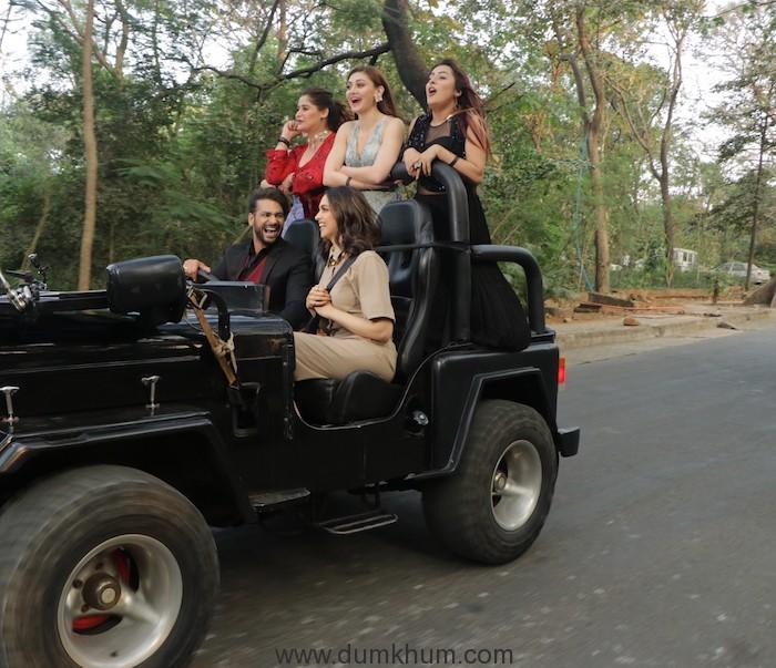 Deepika Padukone on a Joy ride with Bigg Boss contestants (3)