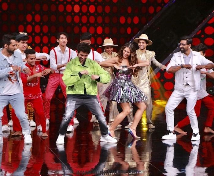 When Kartik Aryan invites D+ captains for an open dance Challenge !