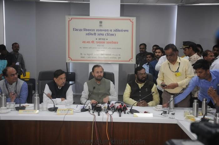 Union Minister Prakash Javadekar reviews Pune Metro-1