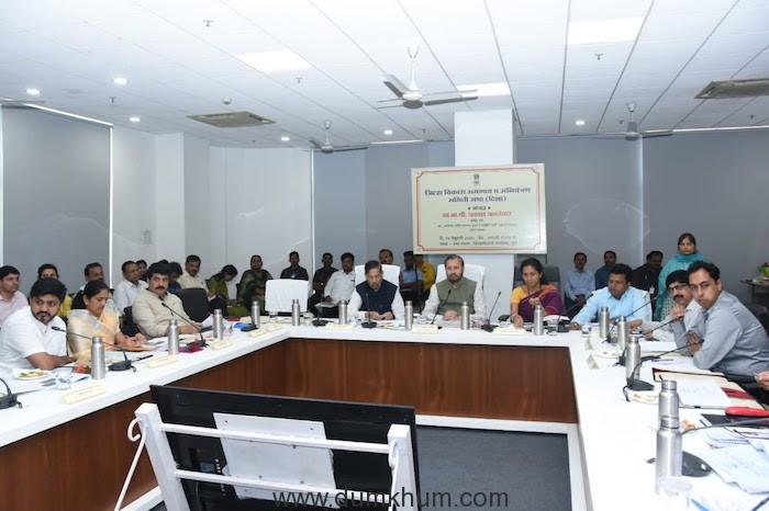 Union Minister Prakash Javadekar reviews Pune Metro