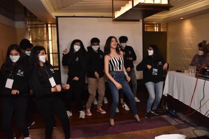 Divya Khosla Kumar shakes a leg with college students at Kshitij Festival