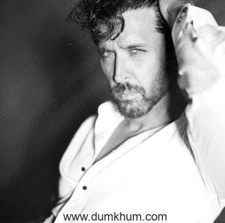 Hrithik Roshan looking irresistibly sexy as he struts a pose after packing up shoot with Avinash Gowarikar